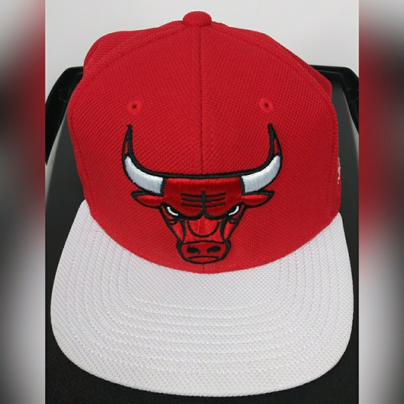 adidas Other - 🎩 Adidas Chicago Bulls snapback Hat Red and White